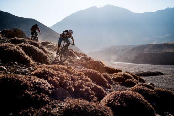 Mountain bike tour Nepal - sunny descents
