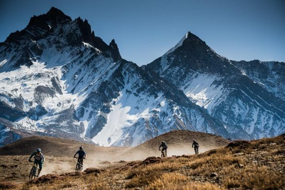 Mountain bike tour Nepal - out of scale mountains