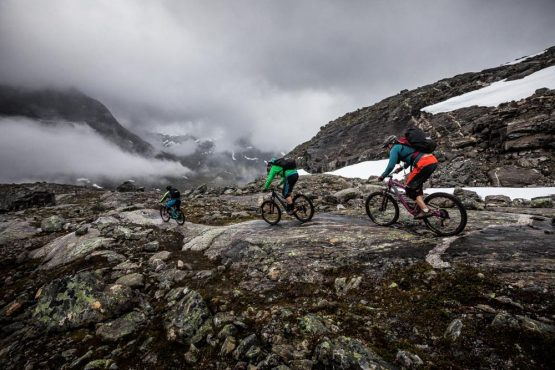 Mountain bike tour Norway - rocky descending