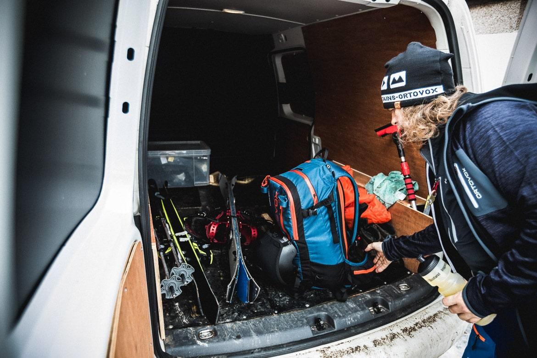 Jono Baldwin packing his van