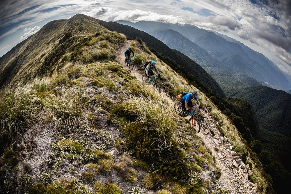 Ridge lines, mountain bike tour New Zealand