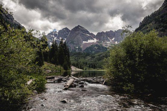 A stop at Maroon Bells Lake near Aspen Village, during our mountain bike tour Colorado.