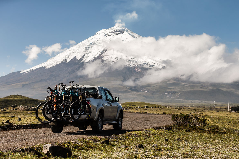 Shuttle service on our mountain bike holiday Ecuador