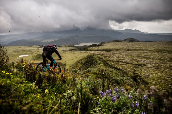 Riding Cotopaxi trails on our mtb tour Ecuador