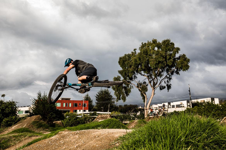 Freeride legend Thomas Vanderham takes to the pump track of local mountain bike guide Ecuador José Jijon.
