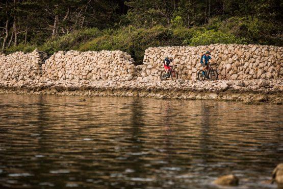 E-MTB tour of Croatia riding by the sea