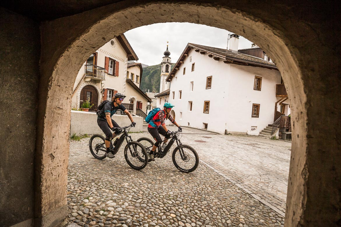 Cruising through the mountain villages on a E-MTB Tour In Switzerland in photos