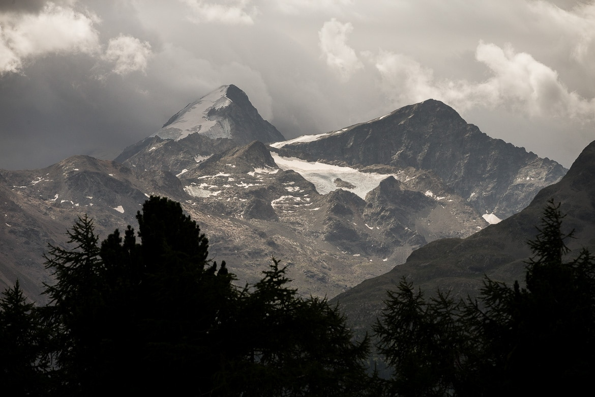 Moody mountains on a E-MTB Tour In Switzerland in photos