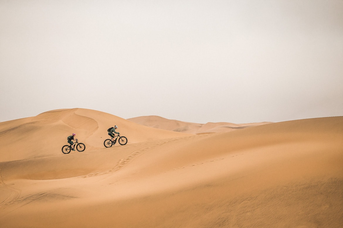 Hitting the dunes of Swakopmund during a E-MTB safari of Namibia