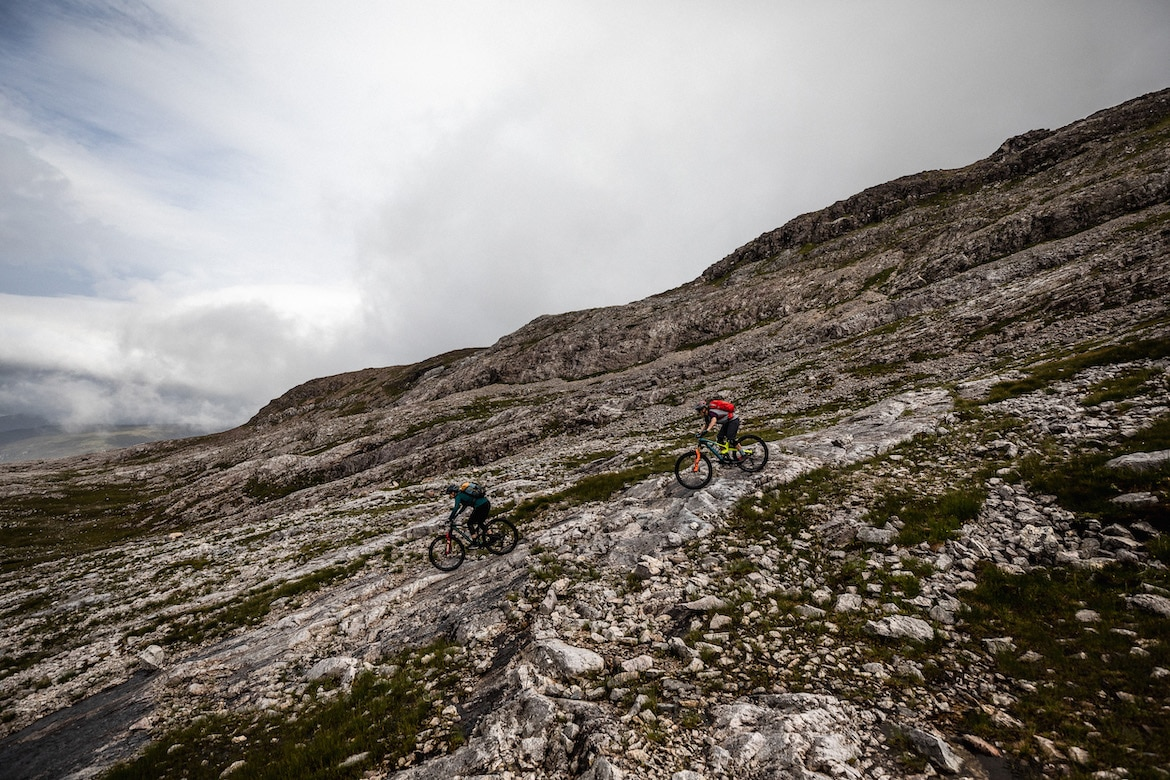 Tracy Moseley + Manon Carpenter riding rock in Scotland