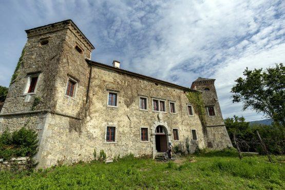 Exploring historic buildings, MTB + Wine Tour Slovenia