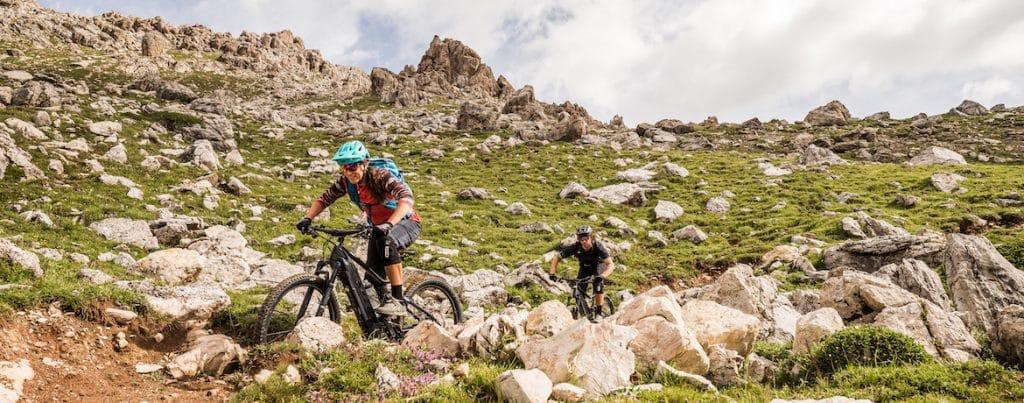 E-MTB vs MTB, e-mountain bikers in Switzerland